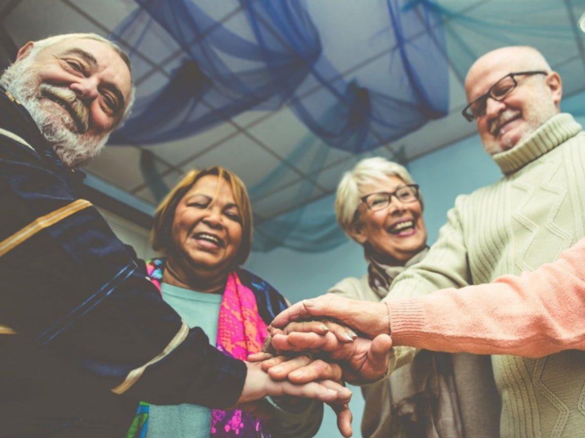老年生活的新伴侶關係:何謂Living Apart Together Relationships?